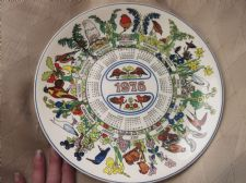 SUPERB COLLECTOR CALENDAR PLATE WEDGWOOD 1976 ROBIN & BIRDS EX COND 10.25""